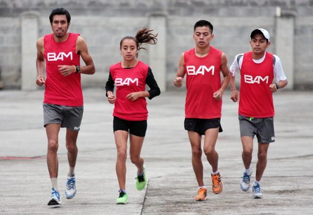 El equipo BAM, captado en el entrenamiento de ayer, en la preparación para la competencia de los 21K Xela 2015.