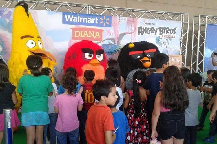 Se realizaron diferentes actividades de entretenimiento para niños durante la Bird Carpet. (Foto Prensa Libre: Hemeroteca PL)
