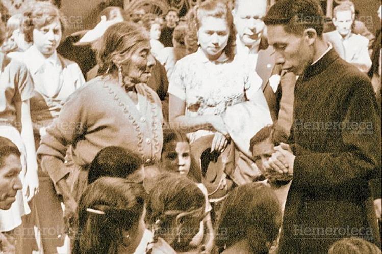 El padre Hermógenes siempre estuvo al servicio de los pobres. (Foto: Hemeroteca PL)