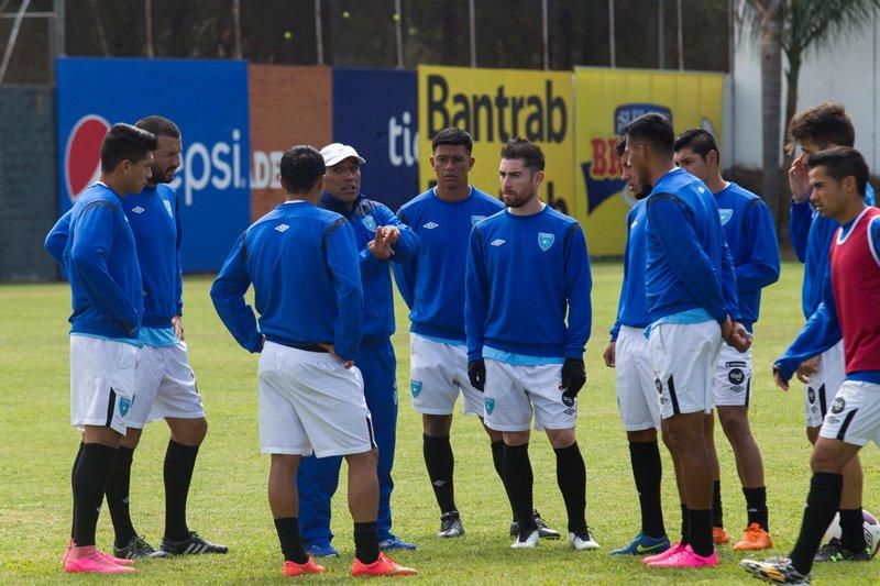 El combinado se prepara esta noche para enfrentar a Honduras. (Foto Prensa Libre: Norvin Mendoza)