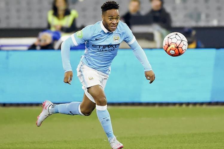 Raheem Sterling debutó este martes con el Manchester City en el partido frente a la Roma durante International Champions Cup. (Foto Prensa Libre: AFP)