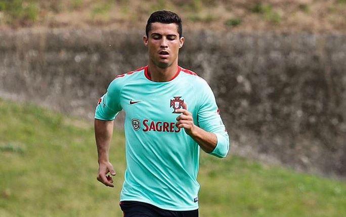 Cristiano Ronaldo vuelve a la selección de Portugal después de perderse dos partidos amistosos por lesión. (Foto Prensa Libre: Hemeroteca)
