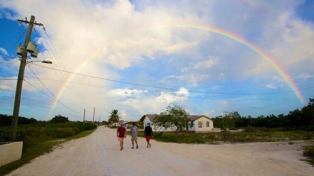 Los exploradores buscaron evidencia en la isla de bahameña de Mayaguana. JON NICKSON/EYESPICE.COM