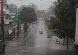 Calles vacías y una fuerte llovizna se sintió este primero de enero de 2016.