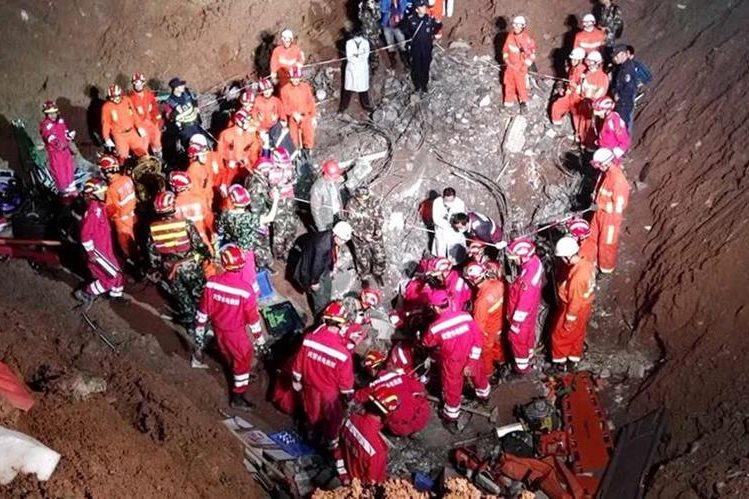 El alud ocurrió el 20 de diciembre último. (Foto Prensa Libre: EFE).