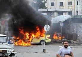 Una serie de ataques del EI causó llanto y destrucción en Siria.