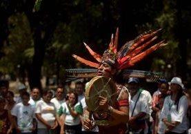 Indígenas salvadoreños celebran el Día Mundial de la Tierra con un llamado a preservar el agua. (EFE)