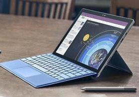 La Microsoft Surface Pro, una tableta híbrida, es parte de la familia de productos Surface, la cual podría dejar de producirse (Foto Prensa Libre: Microsoft).