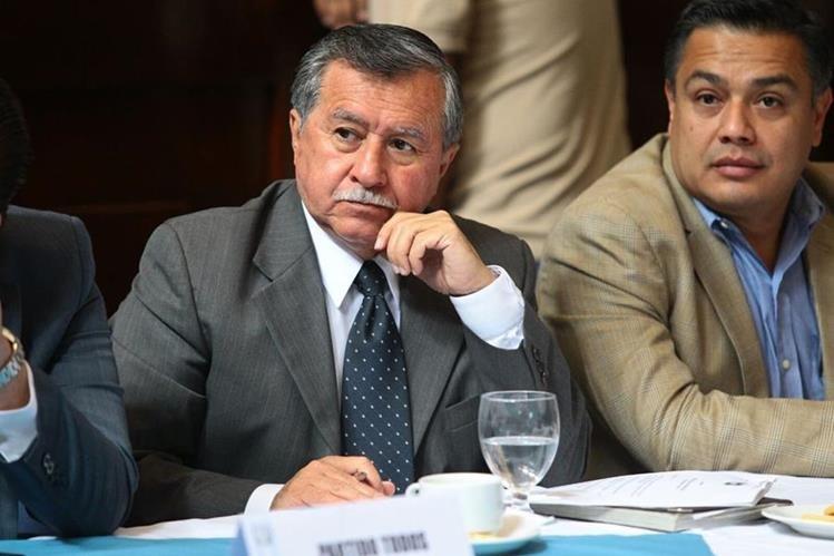 El diputado Ovalle Maldonado es integrantes de la Asociación de Veteranos Militares de Guatemala (Avemilgua). (Foto Prensa Libre: Esbin García)<br />