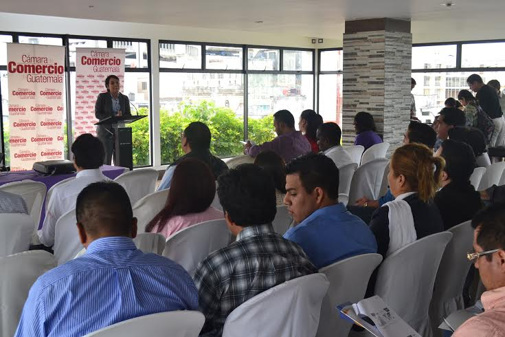 Los miembros de la cámara de comercio anunciaron ayer la misión comercial. (Foto Prensa Libre: Cámara de Comercio)