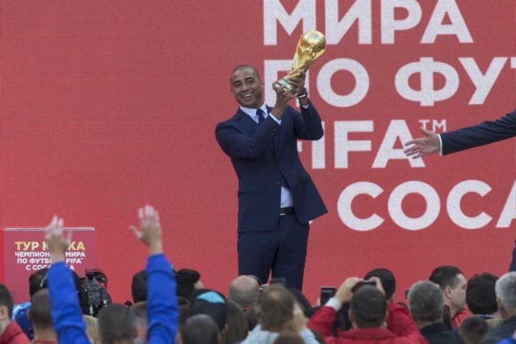 Trezeguet espera que la selección argentina consiga su clasificación al Mundial de Rusia 2018. (Foto Prensa Libre: AP)