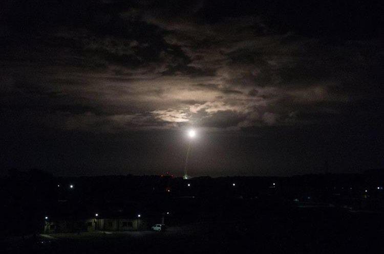 Lanzamiento de dos satélites, uno de ellos dedicado al control de efectos del cambio climático.(EFE).