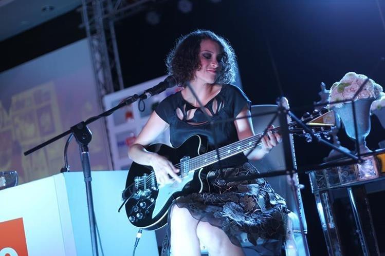 La cantante Guatemalteca Gaby Moreno compite al Grammy anglosajón en la categoría de mejor álbum pop latino. (Foto Prensa Libre: Esbin García)