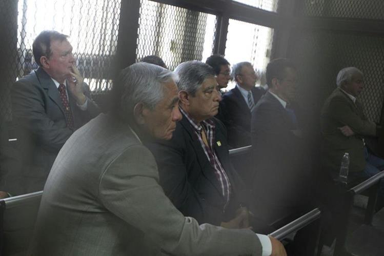 Mañana la jueza del caso Claudette Domínguez resolvera si envía liga a proceso y envía a prisión preventiva a los 14 militares. (Foto Prensa Libre: E. Paredes)