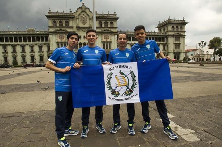 Wanderley Riuz, Jonatan Arévalo, Patrick Ruiz y Roberto Alvarado prometen dar batalla en Colombia 2016.(Foto Prensa Libre: Norvin Mendoza)