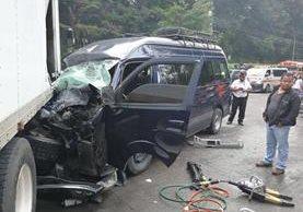 Varios heridos fueron auxiliados por accidente en jurisdicción de San Lucas, Sacatepéquez. (Foto Prensa Libre: César Pérez)