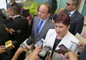diputados reunidos en un hotel en la zona 10 para buscar acuerdos por reformas a constitucionales. (Foto Prensa Libre: MP)