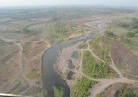 Ministerio de Ambiente dijo recientemente que identificó desvío de 50 caudales en la Costa Sur mediante un recorrido. (Foto Prensa Libre: Hemeroteca PL)