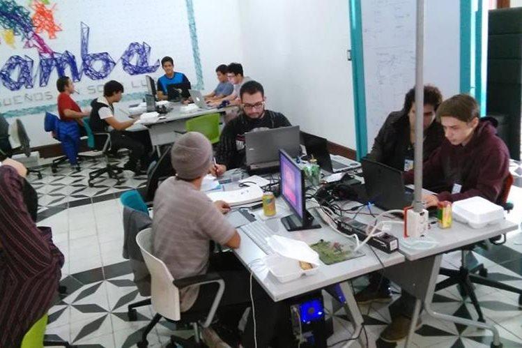 El hackaton Global Game Jam se lleva a cabo hasta el domingo en Cuatro Grados Norte. (Fotos Prensa Libre, Brenda Martínez)
