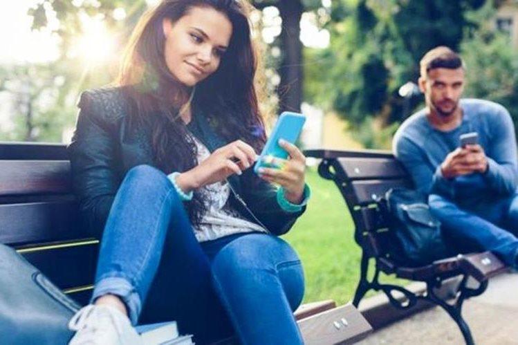 ¿Sabes en realidad con quién estás ligando en internet?. GETTY IMAGES