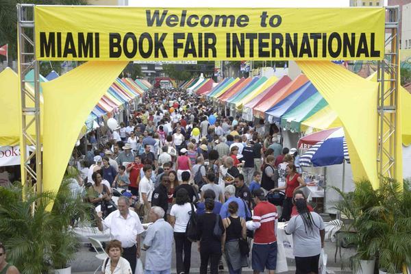 <p>Poniatowska y Cortázar serán los invitados de la Feria del Libro de Miami. (Foto Prensa Libre: Archivo)<br></p>