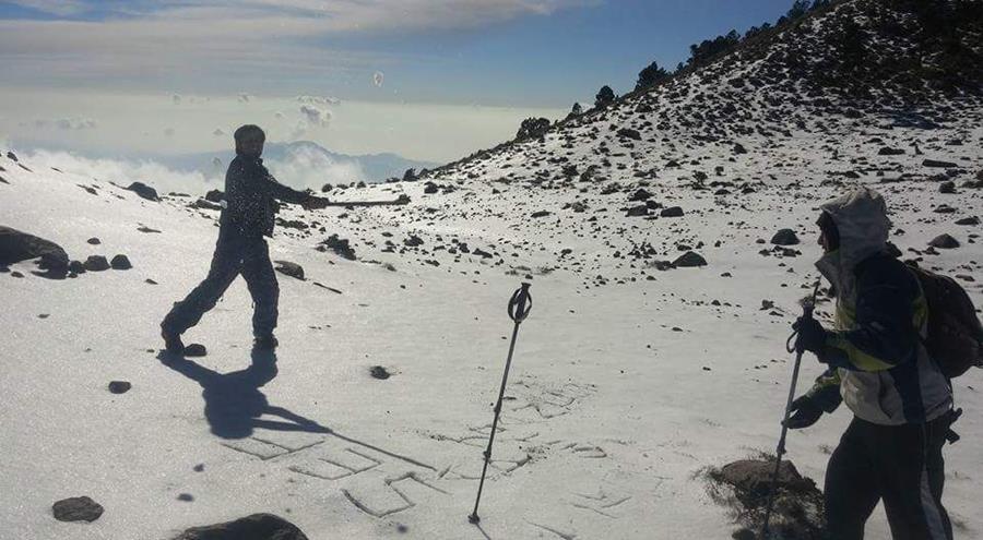 Los escaladores piden a las personas que si suben tomen sus precauciones y lleven abrigo suficiente.