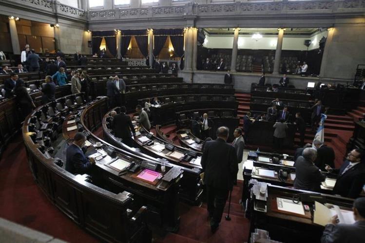 Pleno del Congreso durante la sesión de este martes. (Foto Prensa Libre: Paulo Raquec)