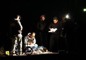<p>Las autoridades recaban evidencias. (Foto Prensa Libre: Carlos Ventura)</p>