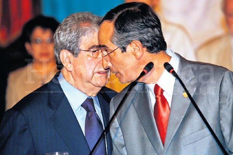 Álvaro Colom y Rafael Espada estuvieron al mando del gobierno desde el 2008 al 2012. (Foto Prensa Libre: Hemeroteca PL)