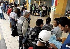 La SAT aplicará una exoneración fiscal con el objetivo de recuperar ingresos que adeudan contribuyentes.(Foto Prensa Libre: Hemeroteca)