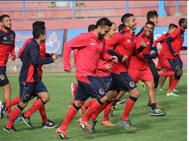 El equipo escarlata trabajó esta mañana en estadio Manuel F. Carera. (Foto Prensa Libre: Rojos.com)