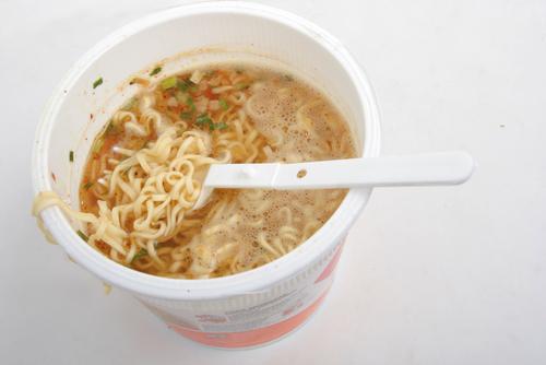 Las sopas instantáneas contienen ingredientes que afectan al organismo de manera negativa (Foto: Hemeroteca PL).