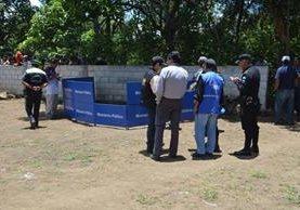 Lugar donde fue localizado el cadáver de Domingo Icaj, en Santiago Atitlán, Sololá. (Foto Prensa Libre: Ángel Julajuj).