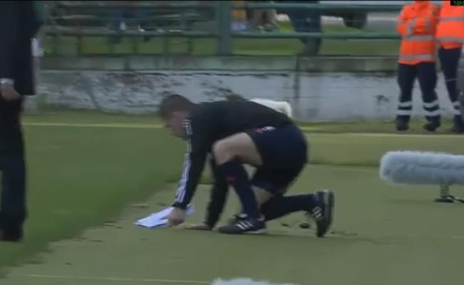 Marek Pilný evidenció su estado de ebriedad y fue sacado del terreno de juego.