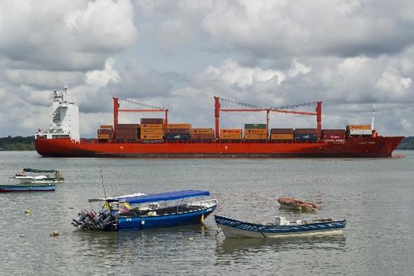 """<p>Puerto de Buenaventura, en Colombia, país que está emergiendo económicamente detras de los paises emergentes<br _mce_bogus=""""1""""></p>"""