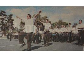 La banda del Liceo Guatemala ensayó a pesar de que no participaría en la marcha, no estaban de acuerdo con la medida del Gobierno sobre el desfile. (Foto: Hemeroteca PL)