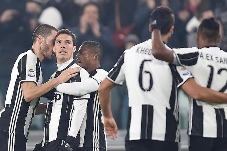 """La """"Juve"""" no perdonó al Pescara este sábado en Turín. (Foto Prensa Libre: EFE)"""