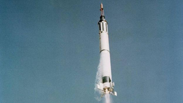 Johnson se encargó, entre otras cosas de calcular la trayectoria de la nave de Mercury Redstone 3, que llevaba al astronauta Alan Shepard. NASA