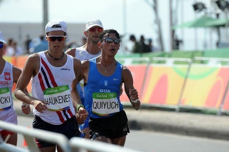 Jaime Daniel Quiyuch durante la competencia de los 50 kilómetros marcha en los Juegos Olímpicos de Río de Janeiro. (Foto Prensa Libre: Jeniffer Gómez)