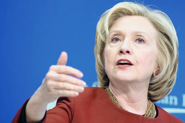 La exsecretaria de Estado estadounidense Hillary Clinton hizo oficial su candidatura por el Partido Demócrata para competir en las elecciones de 2016. (Foto Prensa Libre :AFP)