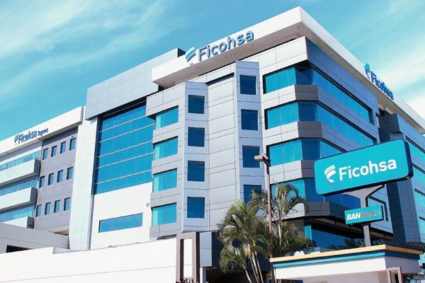 Los clientes pueden continuar haciendo sus transacciones con normalidad, informó Ficohsa. (Foto Prensa Libre: Cortesía)