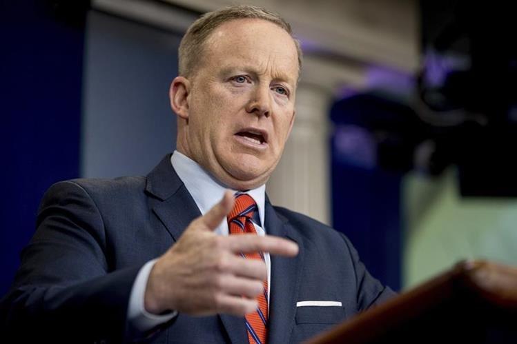 El portavoz de la Casa Blanca, Sean Spicer, durante la conferencia de prensa. Foto Prensa Libre: AP