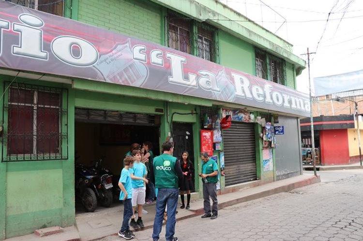 Colegio donde estudia Sandra en Santa Cruz del Quiché. Foto Prensa Libre: Héctor Cordero.