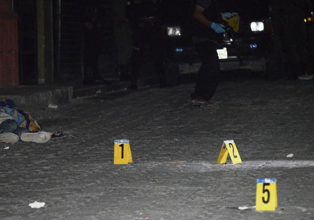 El ataque al joven comerciante se dio en el barrio La Laguna, en la cabecera de Zacapa. (Foto Prensa Libre: Víctor Gómez)