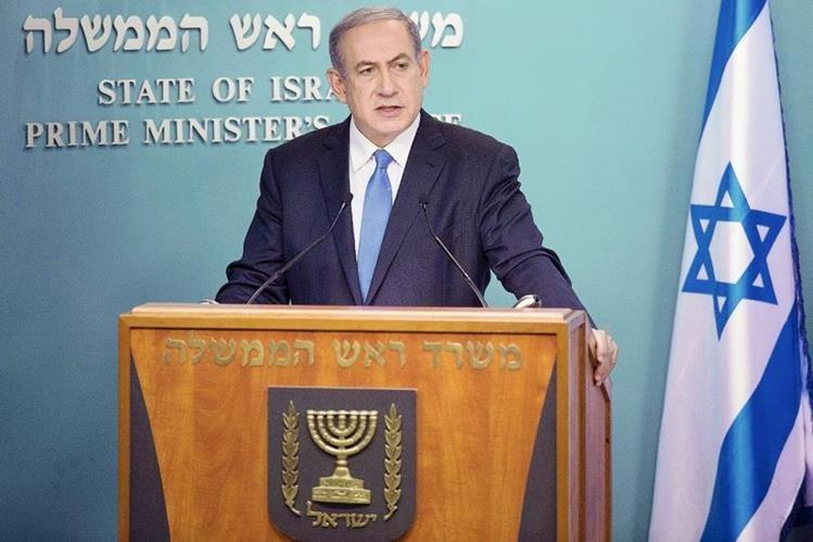El primer ministro israelí, Benjamín Netanyahu, durante una rueda de prensa sobre el histórico acuerdo en materia nuclear alcanzado en Viena. Netanyahu rechazó el pacto acordado. (Foto Prensa Libre: EFE).