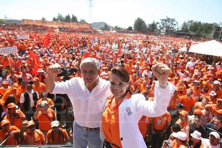 El Partido Patriota fue la organización con la que los exmandatarios Otto Pérez Molina y Roxana Baldetti llegaron al poder, hoy el partido está cancelado y sus máximos dirigentes en la cárcel. (Foto Prensa Libre: Hemeroteca PL)