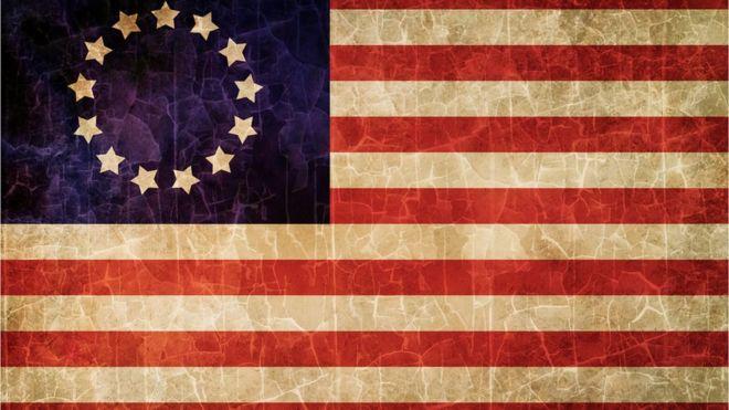 Algunos consideran que la primera bandera estadounidense puede ser ofensiva. THINKSTOCK