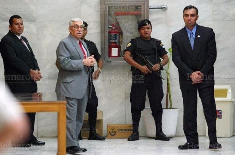 Los militares Obdulio Villanueva, Byron Disrael Lima y Byron Lima (hijo) condenados en 2001 a 30 años de prisión por la muerte de monseñor Gerardi.