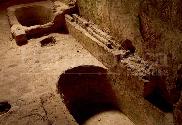 Bañeras encontradas en el Convento de Capuchinas. (Foto: Hemeroteca PL)