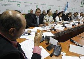Diputados aseguran que había alerta de un ataque al hospital desde febrero. (Foto Prensa Libre: Paulo Raquec)